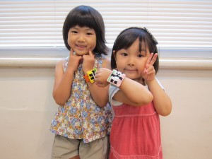 Makoto-Oozu-reloj-punto-de-cruz