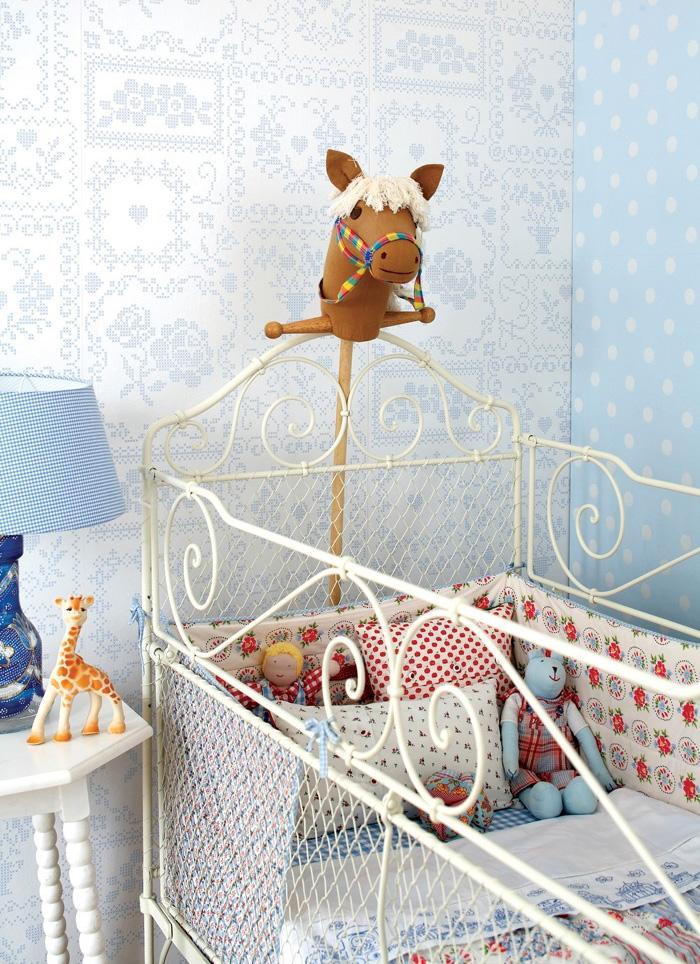 Prepara la habitación de tu bebé con punto de cruz