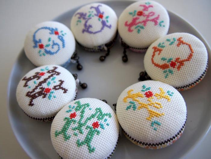 Macarons punto de cruz