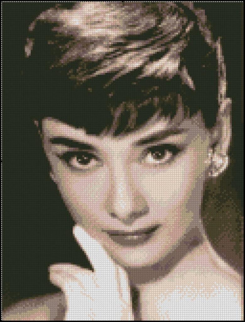 Audrey Hepburn punto de cruz