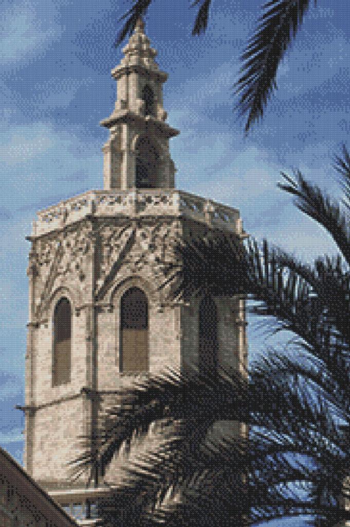 Punto de cruz del Miguelete de Valencia